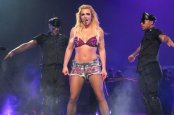 britney-spears-femme-fatale-tour